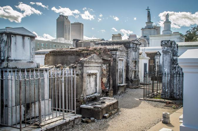 st-louis-cemetery-no-1-guided-tour-in-new-orleans-428799.jpg